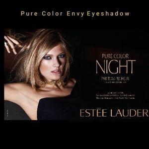 Pure Color Envy 4 shadow palette